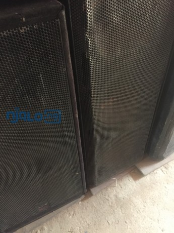 beck-speakers-and-amplifier-big-0