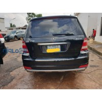mercedes-benz-gl-luxury-suv-450-small-3