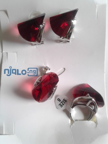 women-rhinestones-claw-hook-earrings-with-pendant-and-ring-big-0