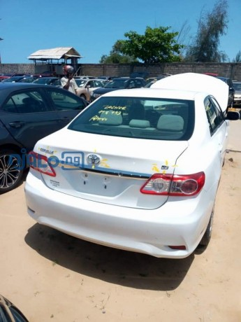 toyota-corolla-2013-model-white-big-1