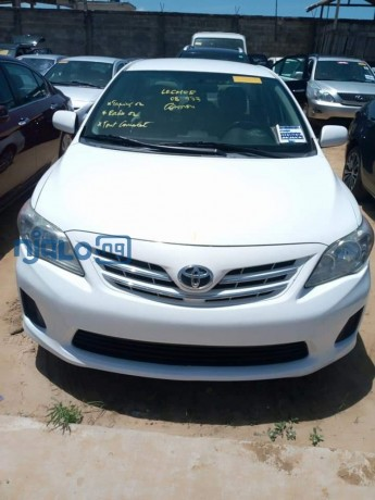 toyota-corolla-2013-model-white-big-0