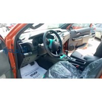 toyota-hilux-2020-model-small-4