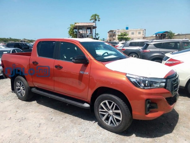 toyota-hilux-2020-model-big-2