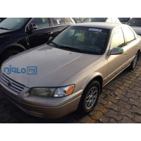toyota-camry-1999-model-small-1