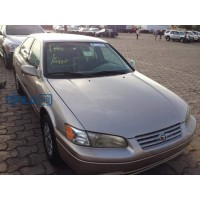 toyota-camry-1999-model-small-2