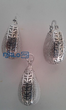 sunbelle-earrings-with-pendant-big-2