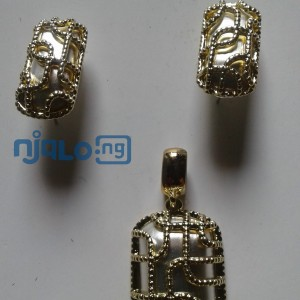 Women Rhinestones claw hook earrings with pendant and ring