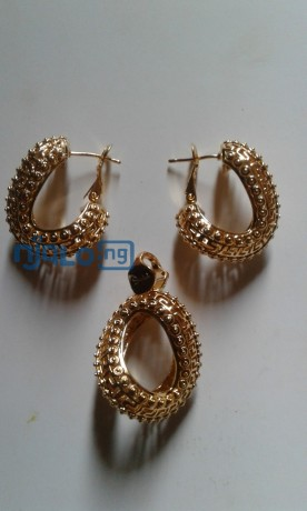 women-rhinestones-claw-hook-earrings-with-pendant-big-2
