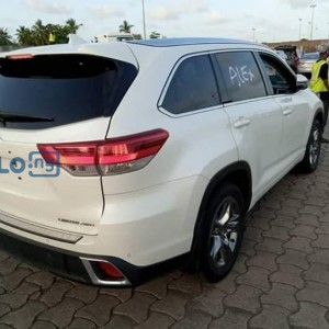 Toyota highlander 2018 model white