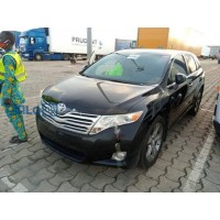 toyota-venza-2010-model-black-small-4
