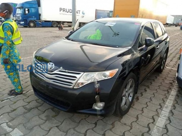 toyota-venza-2010-model-black-big-4