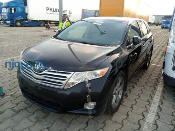 toyota-venza-2010-model-black-big-0
