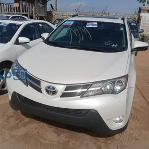Toyota Rav4 white 2013 model