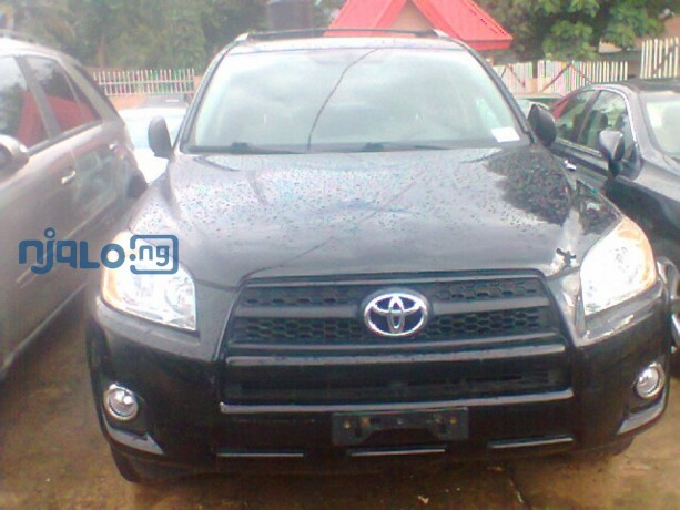 beautiful-black-coloured-rav4-4wd-you-will-love-big-1