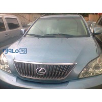 explosion-of-your-presence-the-lexus-rx-350-small-1