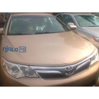 nice-toyota-camry-le-small-0