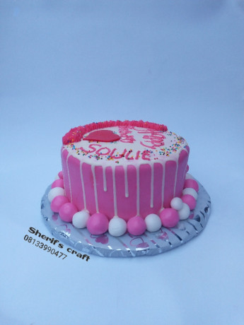 cakes-made-with-passion-beautiful-inside-and-out-big-0