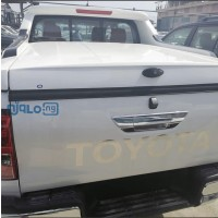 2020-toyota-hilux-small-2