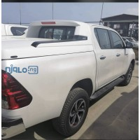 2020-toyota-hilux-small-1