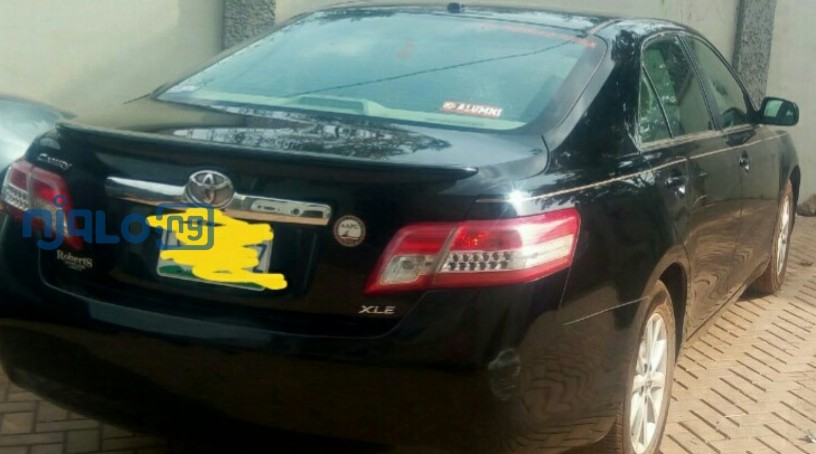 toyota-camry-2011-xle-for-sale-big-3