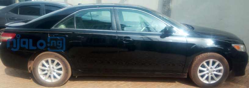 toyota-camry-2011-xle-for-sale-big-1