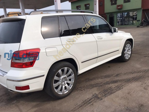 pearl-white-2011-mercedes-glk-350-big-1