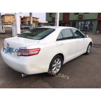 pearl-white-2011-toyota-camry-small-3