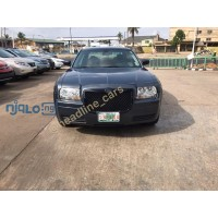 2007-chrysler-300-small-0
